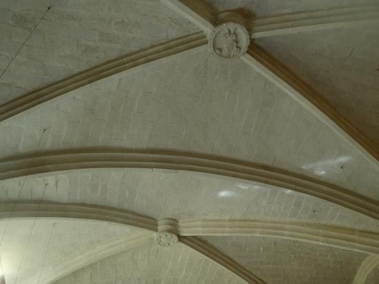 Bóveda nervada o de crucería del interior del Convent dels Angels