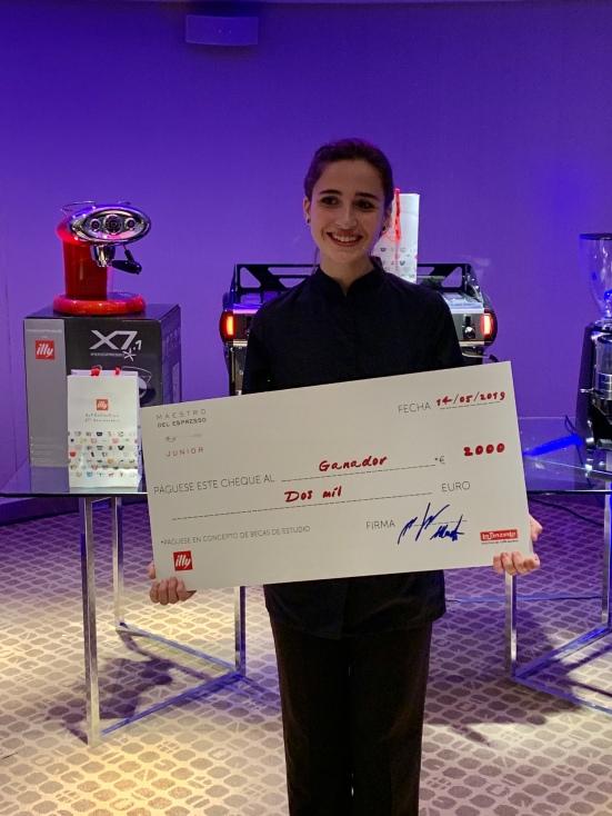 Mireia Riba en la recogida de su premio