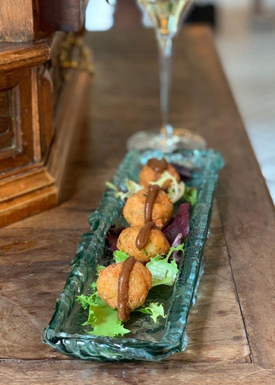 Croquetas de salmón y yuzu